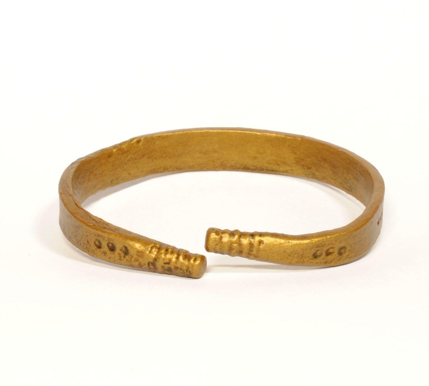turku museum centre digitized bracelet