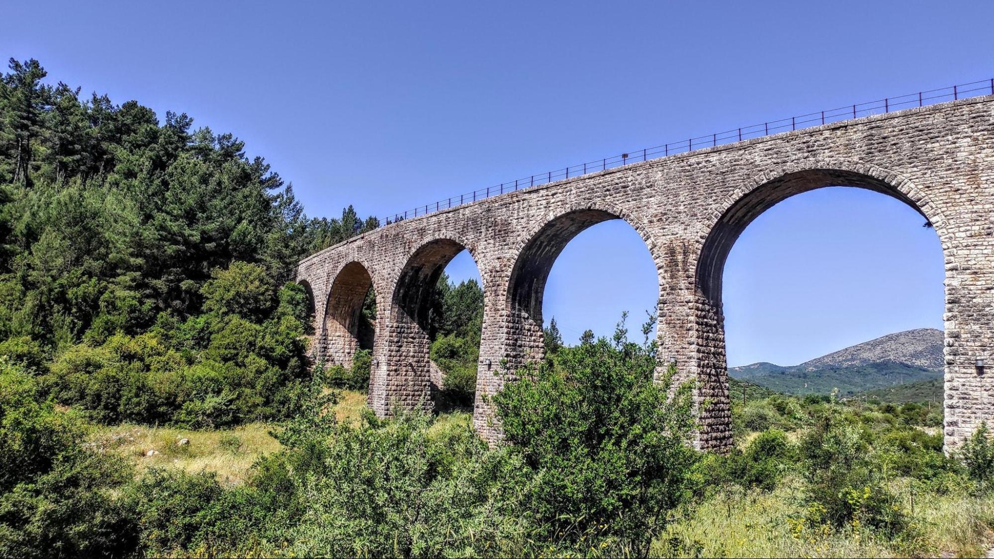 manari stone bridge image
